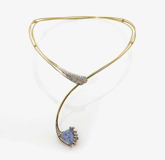 Choker with precious opal and diamonds - photo 1