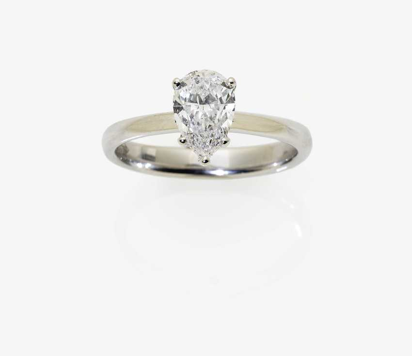 Solitaire ring with diamond drops - photo 1