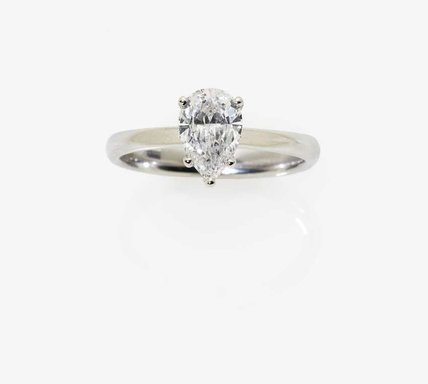 Solitaire ring with diamond drops - photo 2