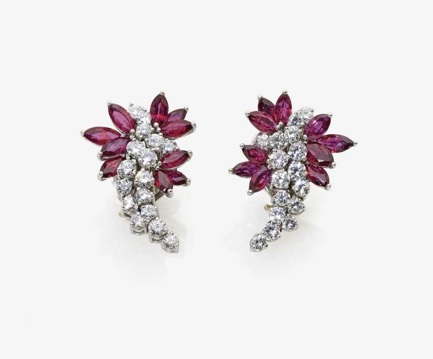 A Pair of ear plug with diamonds and rubies - photo 1