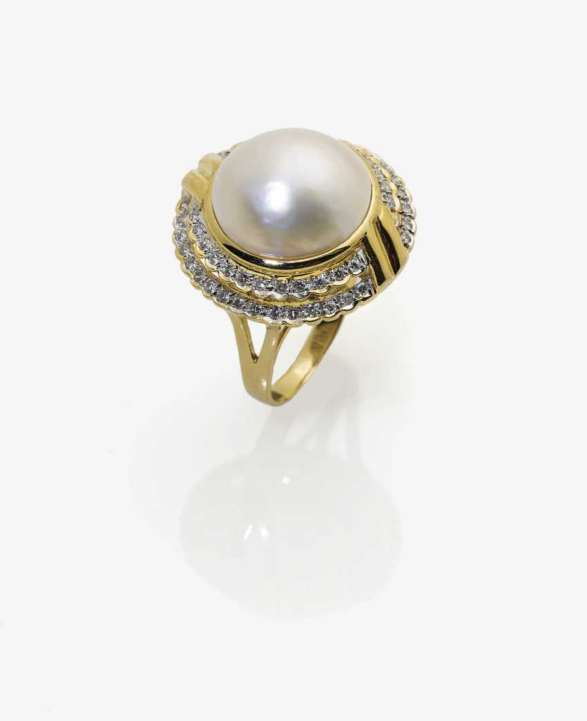Ring, with a Mabé-cultured pearl and diamonds - photo 1
