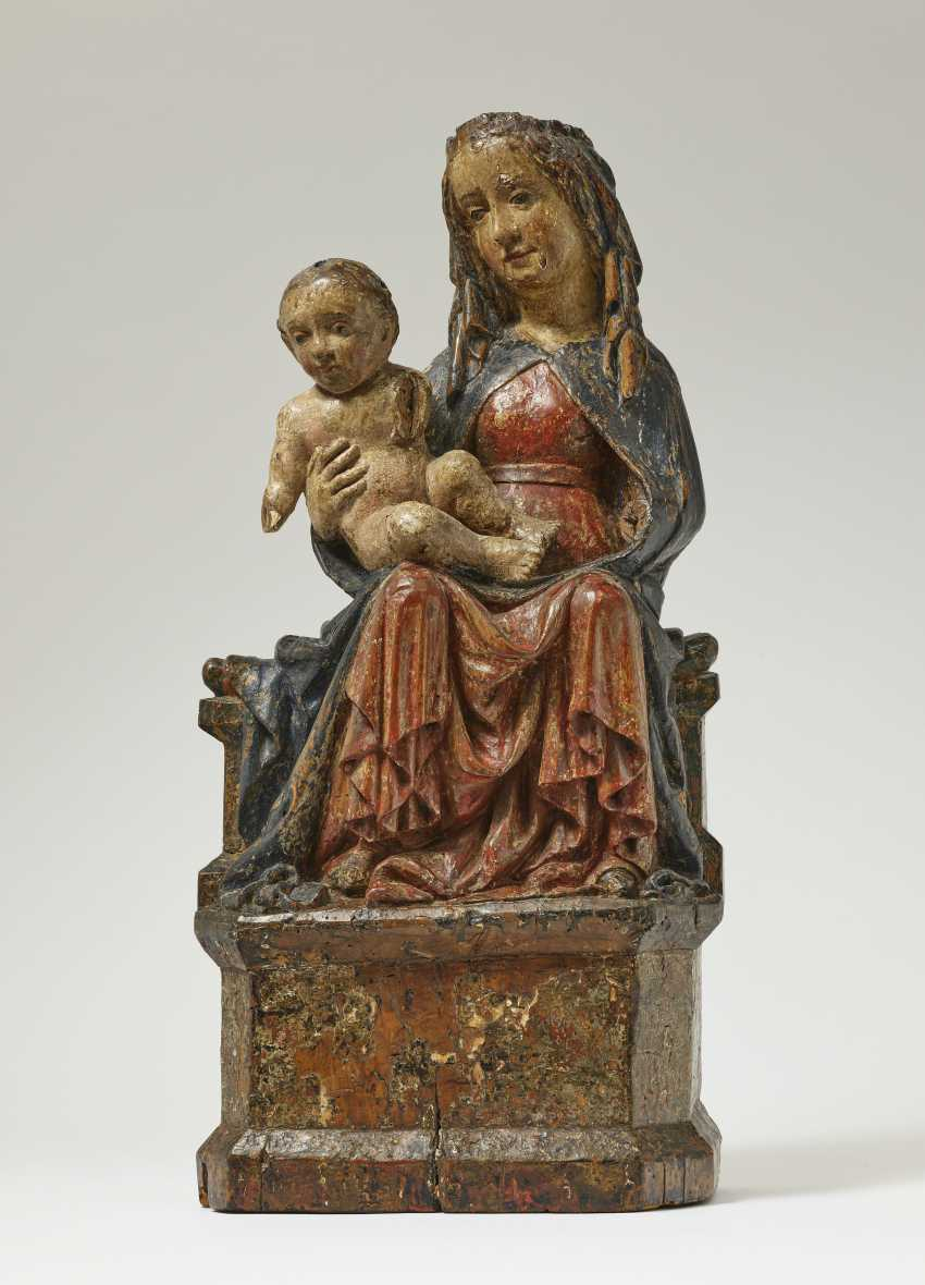 Throne end Maria with child - photo 1