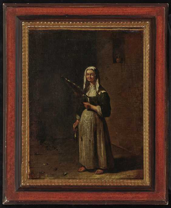 Woman with spindle - photo 2