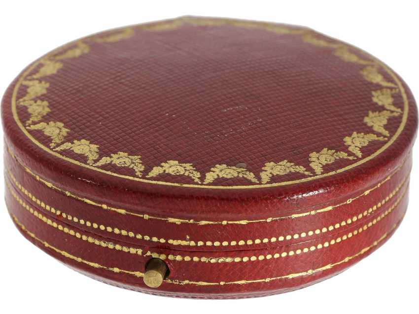 Pocket watch: unique, historically significant Cartier pocket watch with original box, a gift from the English Royal family, under George V, at the same time the Emperor of India, to an Indian Prince-house, including archive information, by Cartier - photo 3