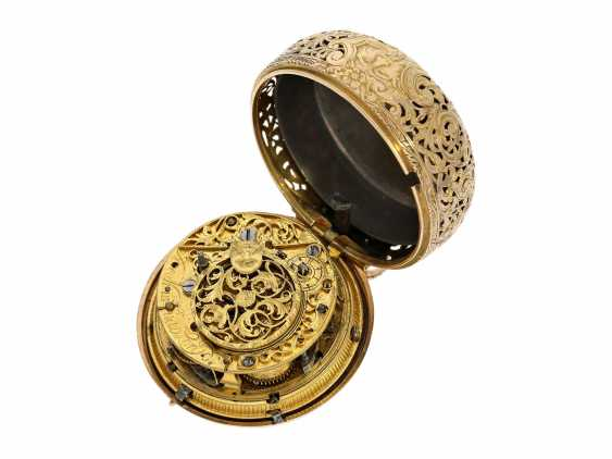 Pocket watch: interesting, süddeutsche repair, replace, double-housing Spindeluhr with 1/8-strike on bell, signed Reckurnab London (Nabburg at Nuremberg), CA. 1730 - photo 9