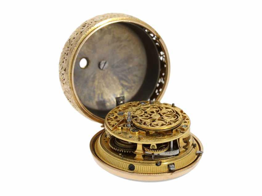 Pocket watch: interesting, süddeutsche repair, replace, double-housing Spindeluhr with 1/8-strike on bell, signed Reckurnab London (Nabburg at Nuremberg), CA. 1730 - photo 11