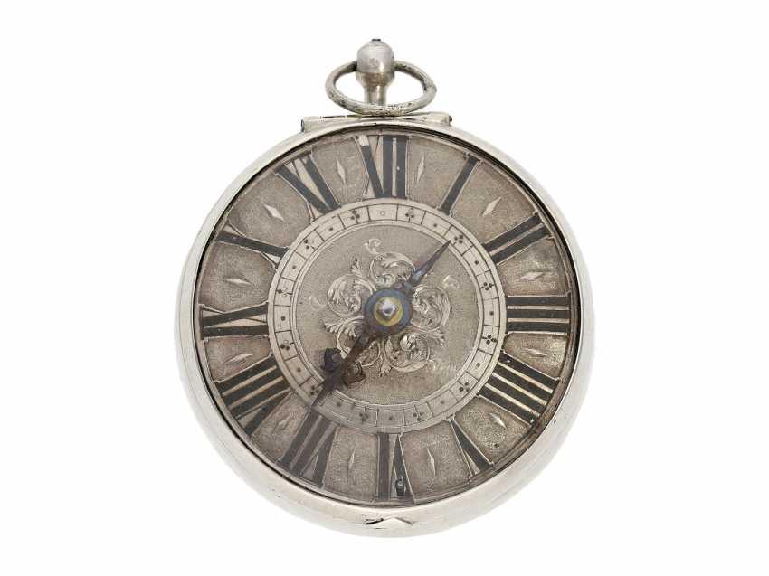Pocket watch: a Museum einzeigrige Halsuhr with early spiral, Denis Dominice Geneva, CA. 1685 - photo 1