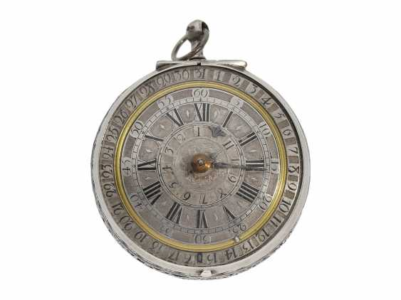 Pocket watch: extremely rare, museale pocket watch with Alarm and a rotating date display via a worm drive, Terroux (François), A Geneva, circa 1690 - photo 2