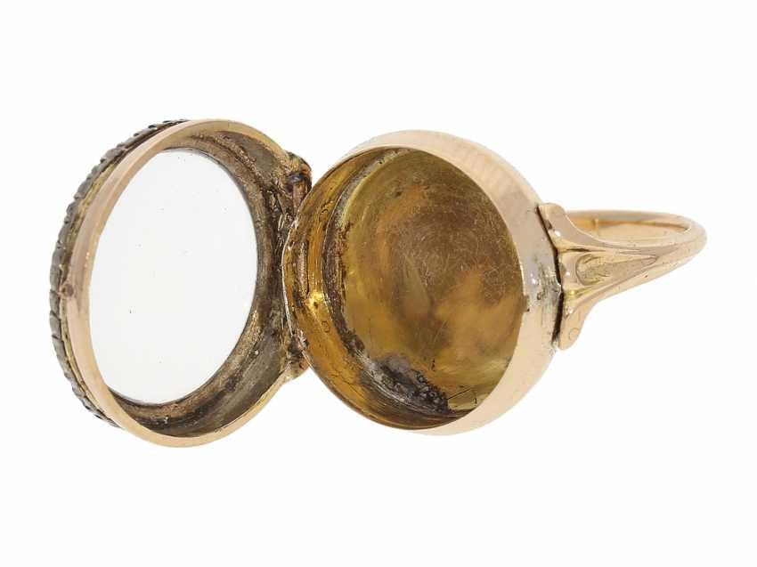 Ring watch: Museum Golden ring watch with diamond trim, Louis XV-dial, original box and original key, Paris, around 1780 - photo 3