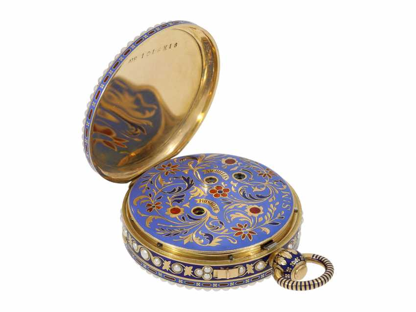 Pocket watch: extremely precious Gold/enamel pocket watch, with beads appliqué, music, figure, machine, hidden erotic scene, and Central second, probably Piguet & Meylan, Geneva for the Chinese market, CA. 1810 - photo 4