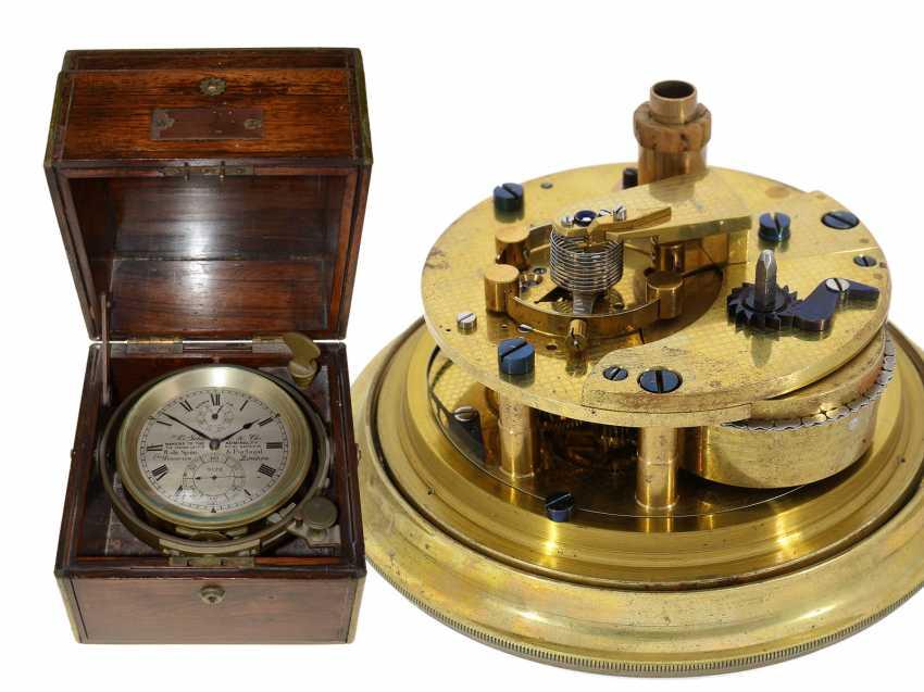 Marine chronometer: very nice, fine ship's Chronometer, circa 1900, Royal chronometer maker with many awards, A. Johannsen & co. London, No. 9122 - photo 1