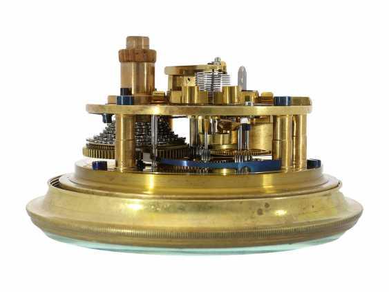 Marine chronometer: very nice, fine ship's Chronometer, circa 1900, Royal chronometer maker with many awards, A. Johannsen & co. London, No. 9122 - photo 3