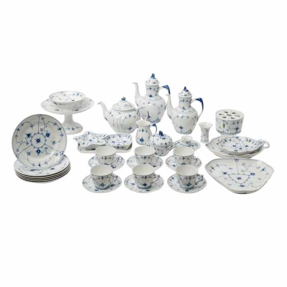 BING&GRONDAHL coffee/tea set for 6 persons 'Bla Malet' (straw flower), 20. Century - photo 1