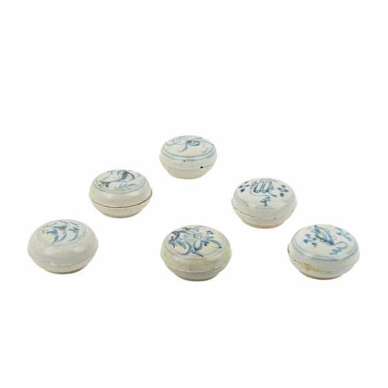 Set of 10 underglaze blue lid tins. TEK SING-CHINA, 1820s. - photo 1