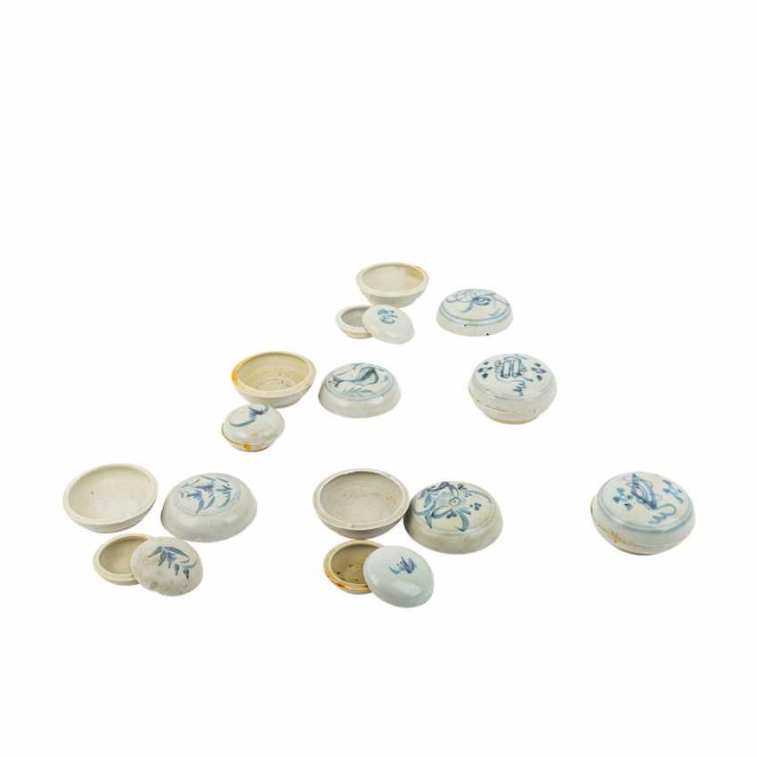 Set of 10 underglaze blue lid tins. TEK SING-CHINA, 1820s. - photo 2