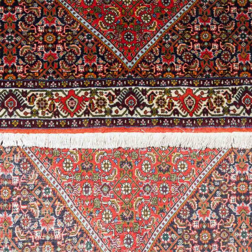 Two Oriental Rugs. BIDJAR, IRAN, 20. Century. - photo 4