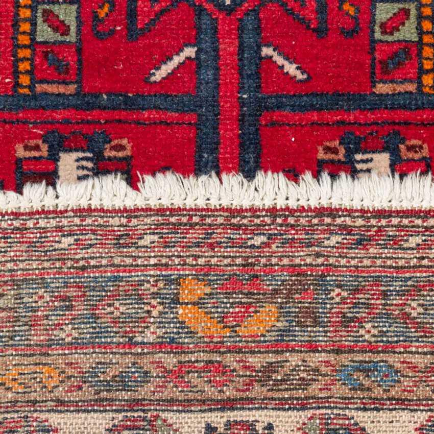 Four Oriental Rugs, 20th. Century. - photo 4