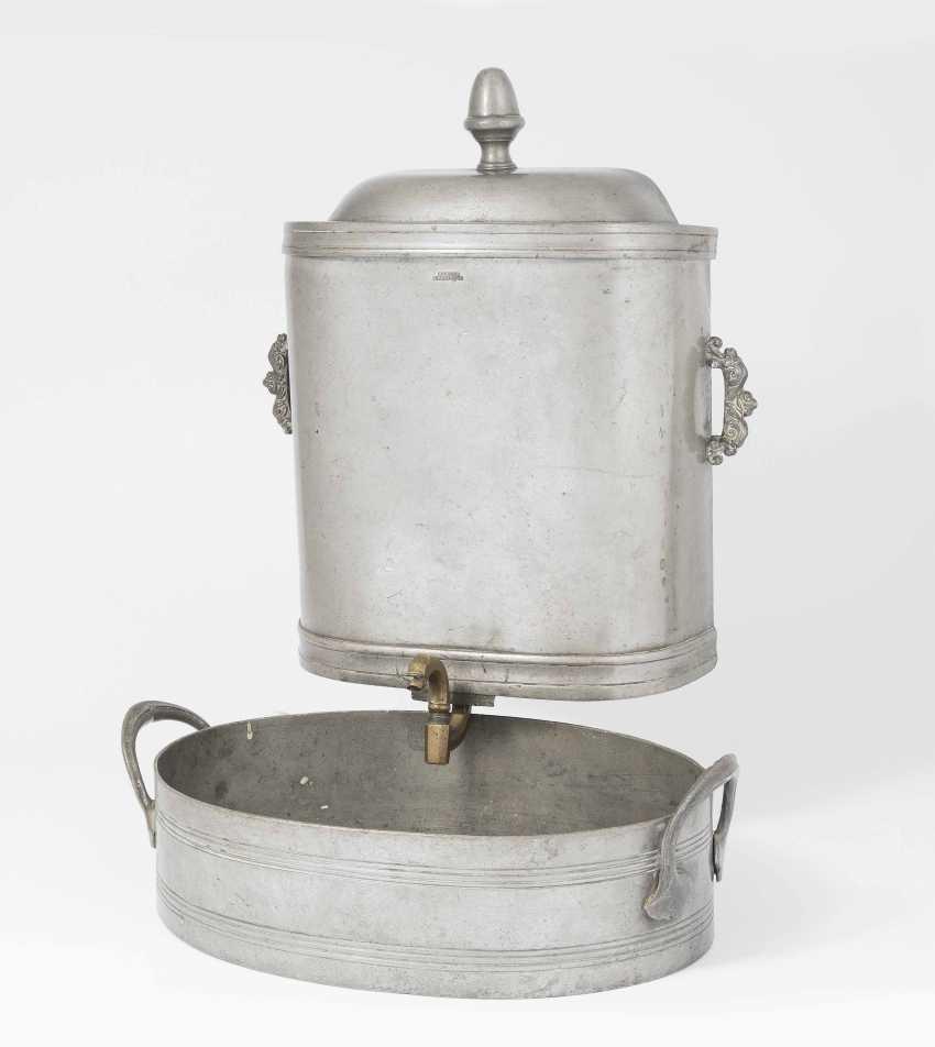 Giessfass with hand basin - photo 1