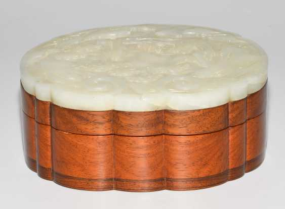 Jade plaque on lid of box - photo 8
