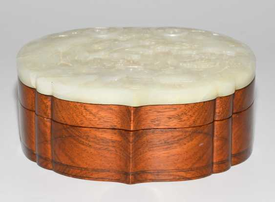 Jade plaque on lid of box - photo 9