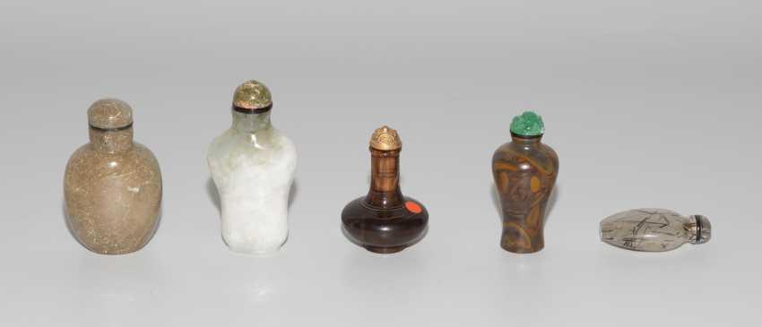 5 Snuff Bottles - photo 4