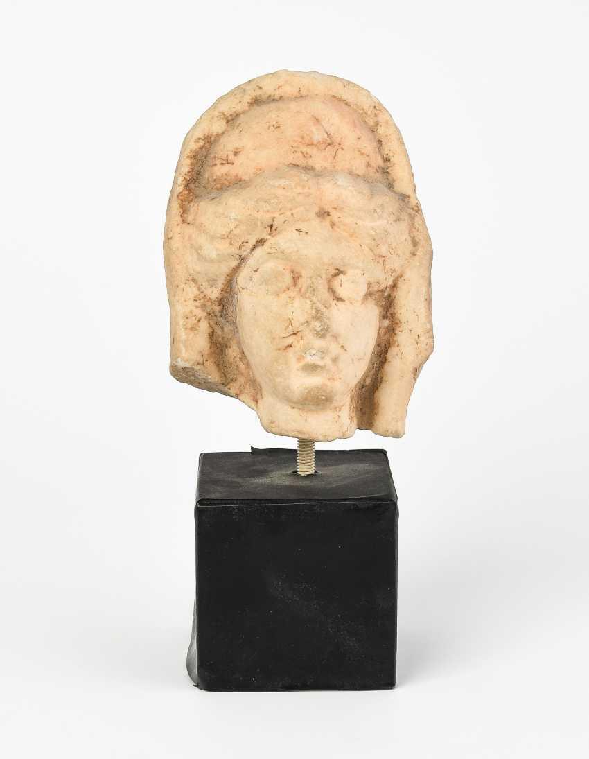 Head of a goddess - photo 1