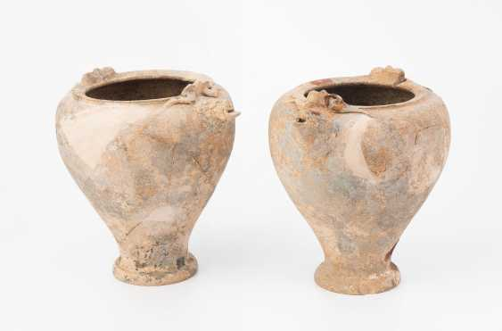 1 Pair Of Terracotta Situlae - photo 1
