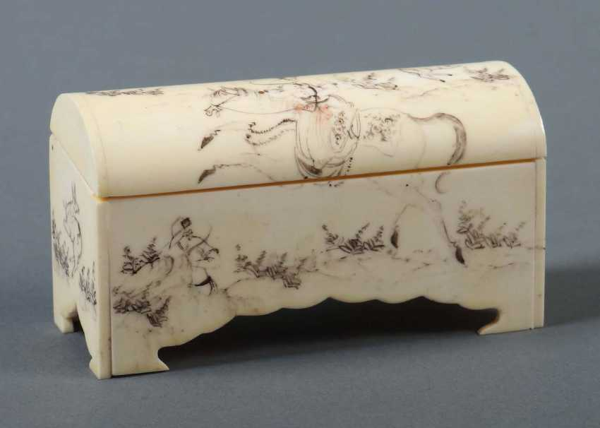 Small Ivory Casket Persia - photo 1