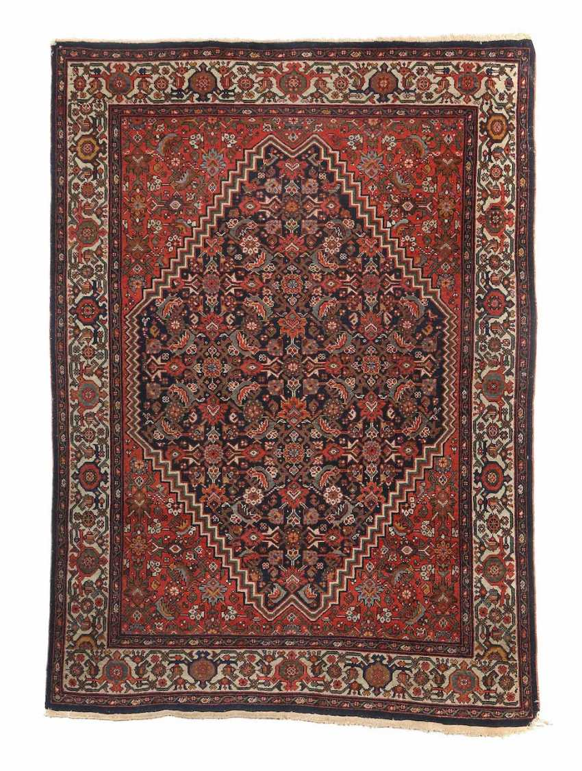 Carpet with Herati pattern West Persian/Kurdish (?) - photo 1