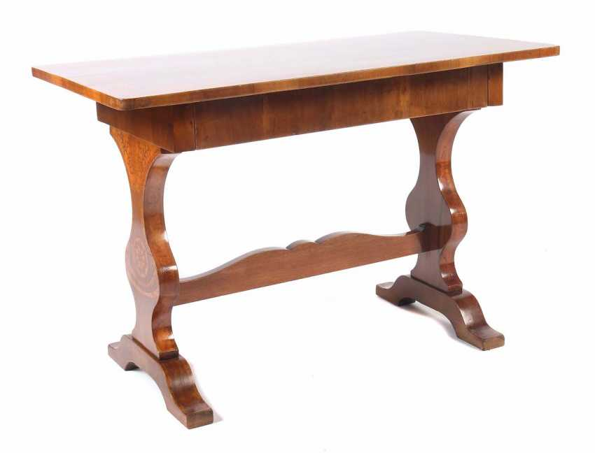 Cheeks table with inlaid decor 19. Century walnut/Nussbaummaser veneered - photo 1