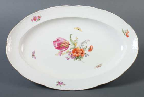 Oval serving plate with flower painting KPM Berlin - photo 1
