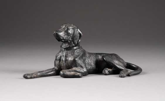FIGURE OF A DOG - photo 1