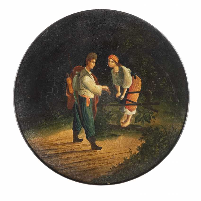 LACQUER DISH WITH A YOUNG COUPLE - photo 1