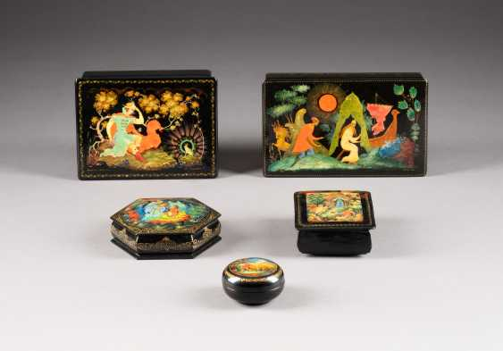 FIVE LACQUER BOXES WITH FAIRY TALE MOTIFS - photo 2