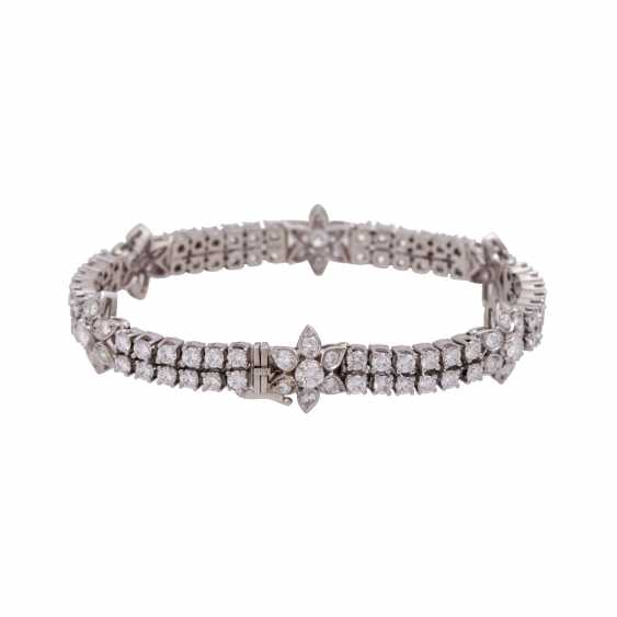 Bracelet with brilliant-cut diamonds, together approx. 6,9 ct, - photo 2