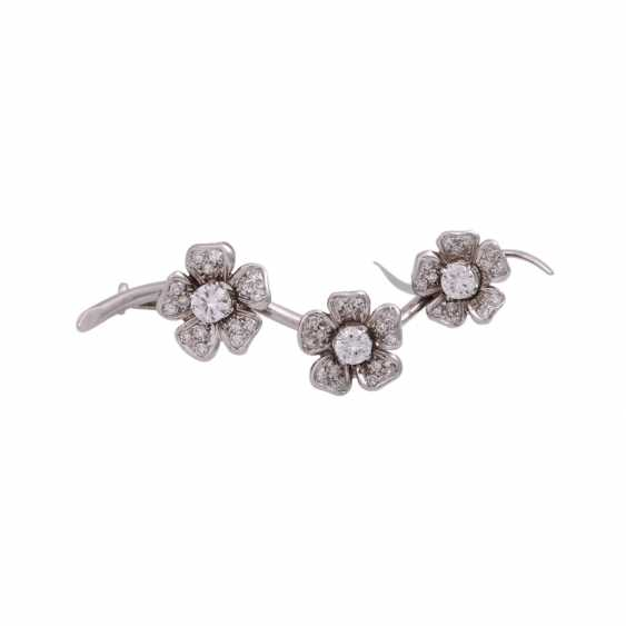 """Brooch """"flower branch"""" with diamonds, together approx 0.6 ct - photo 1"""