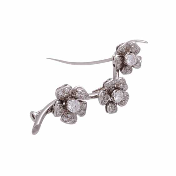 """Brooch """"flower branch"""" with diamonds, together approx 0.6 ct - photo 2"""