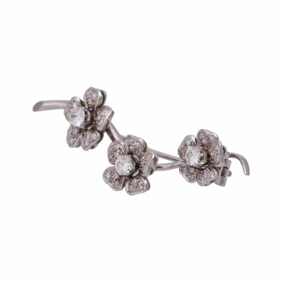 """Brooch """"flower branch"""" with diamonds, together approx 0.6 ct - photo 4"""