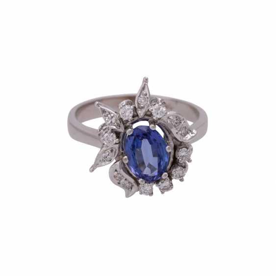 Ring mit ovalem Tansanit ca. 1 ct - photo 1