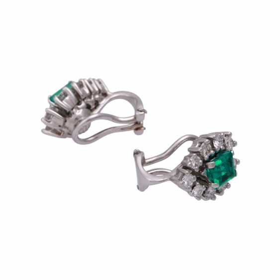 Clip-on earrings with 18 brilliant-cut diamonds, together CA. 1 ct, - photo 3