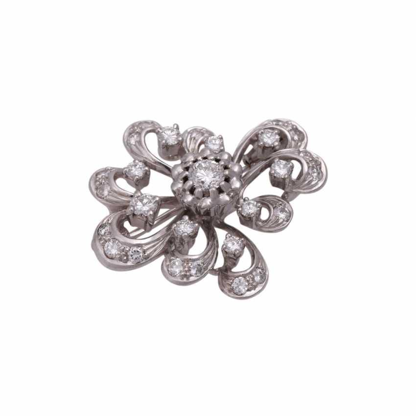 Brooch with brilliant-cut diamonds, together approx 0,7 ct, - photo 4