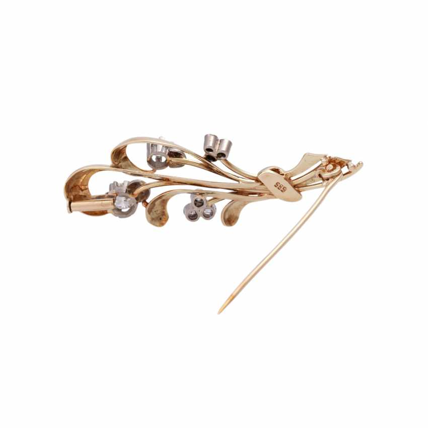 Floral brooch with old European cut diamond approximately 0.7 ct, - photo 3