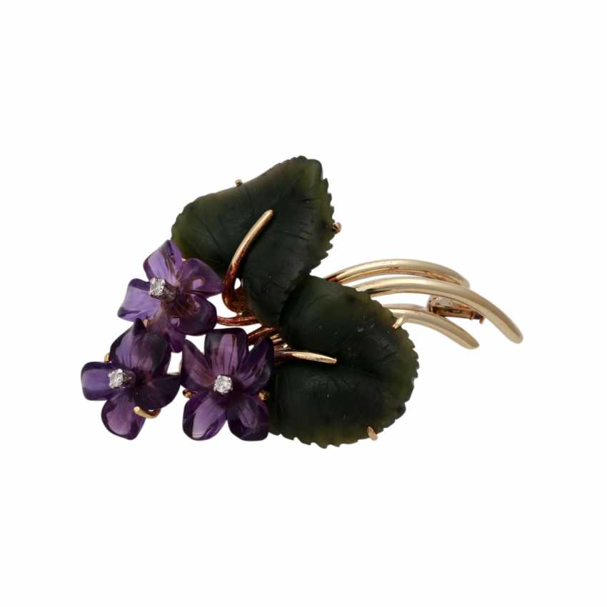 Flower brooch with nephrite jade and amethysts, - photo 1