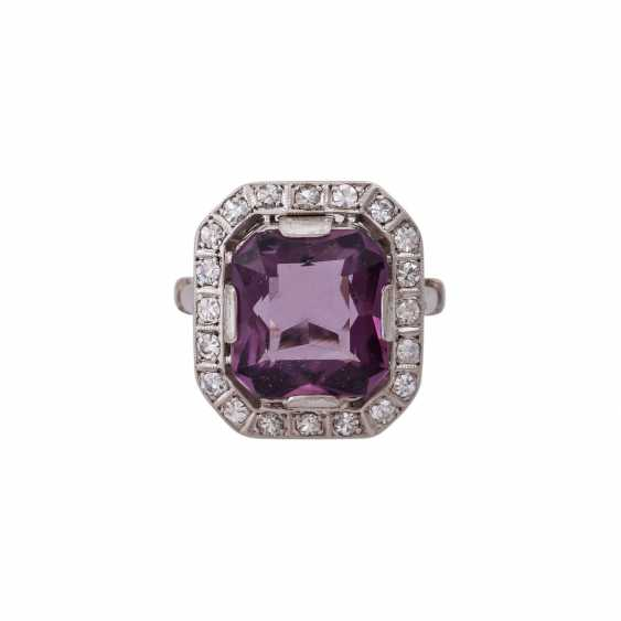 Ring with Amethyst in the octagonal scissor cut, approx. 12x10. 5 mm - photo 1