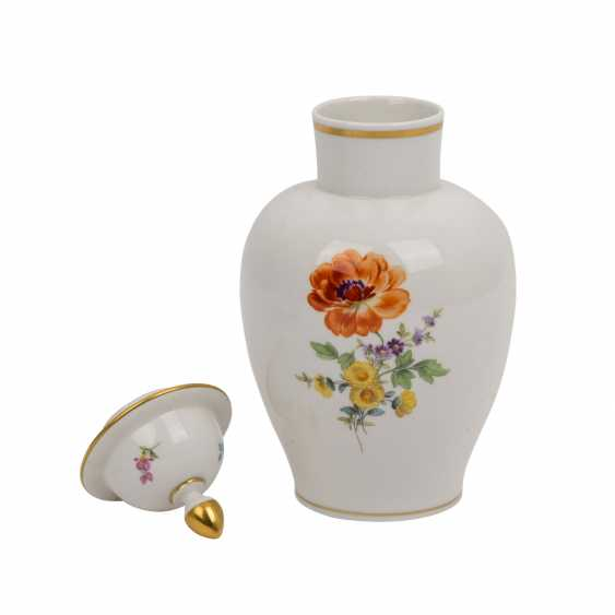 MEISSEN lidded vase and bowl 'German flower', 1. and 2. Choice, 20. Century. - photo 2
