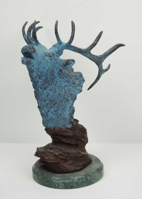 Bronze of a 12-point deer. - photo 1