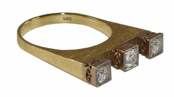 Ring Crown With 3 Diamonds - photo 2
