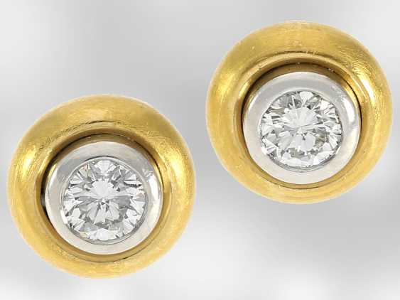 Earrings: attractive, hand-crafted two-tone stud earrings with brilliant-cut diamonds, together approx 0,44 ct, 950 platinum and 990cc Gold - photo 1