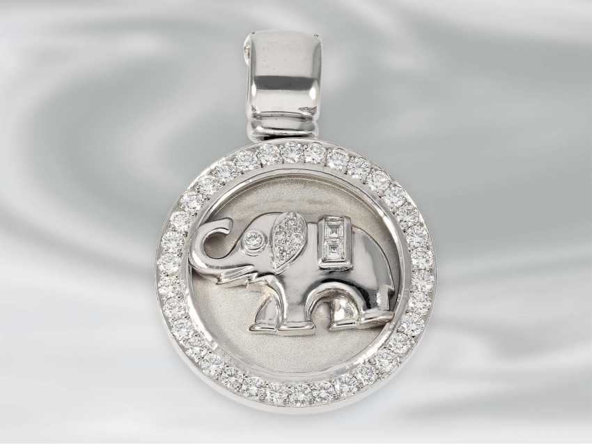Pendant: white Golden diamond pendant clip with elephant motif, approx 1,06 ct, 18K white Gold, unworn, brand Laudier, NP lt. Label 5400€ - photo 1