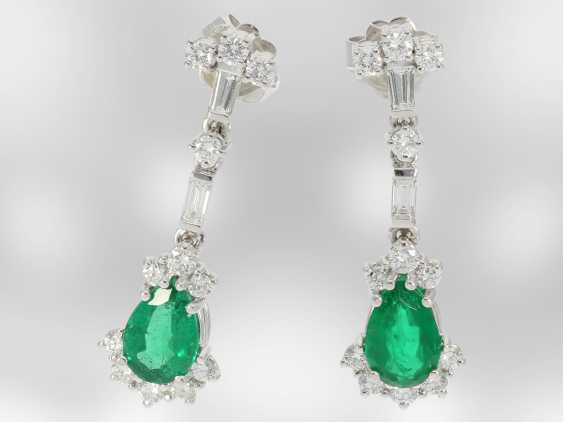 Earrings: elegant ladies earrings with diamonds/brilliant and very beautiful emerald drops, 18K white gold, the court jeweller Roesner - photo 1